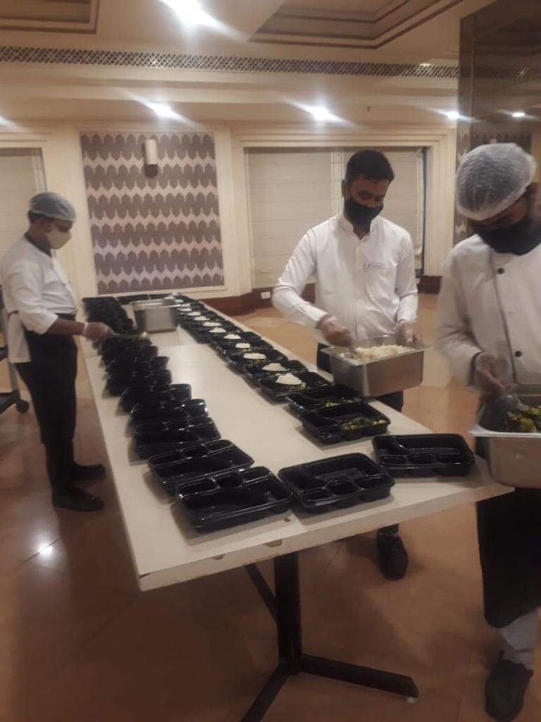 Viraj COVID Food drive for COVID Patients (3)