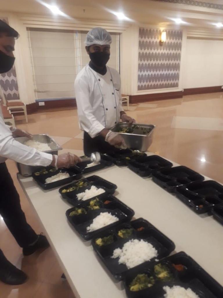 Viraj COVID Food drive for COVID Patients (6)