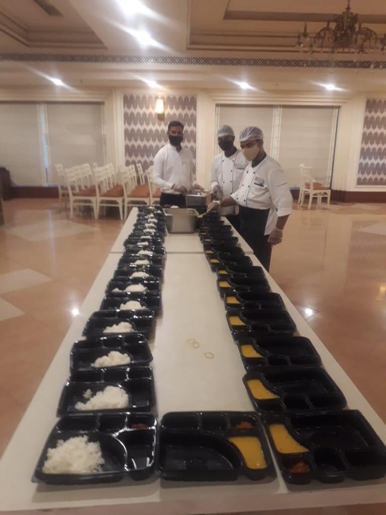 Viraj COVID Food drive for COVID Patients (7)